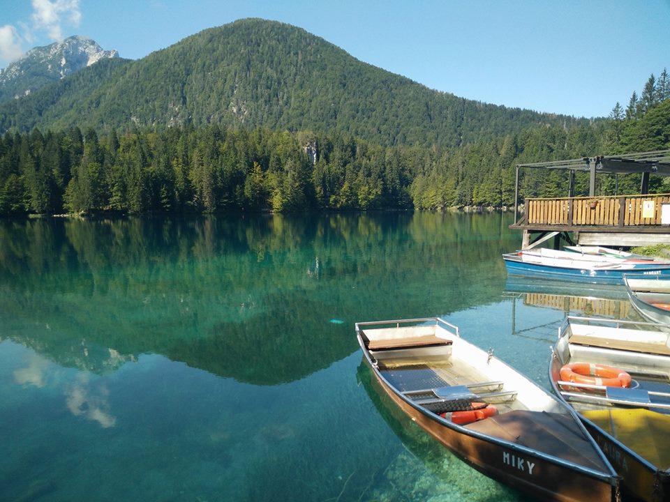 Lago inferiore di Fusine barche